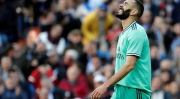 Benzema em ação com a camisa do Real Madrid - GettyImages
