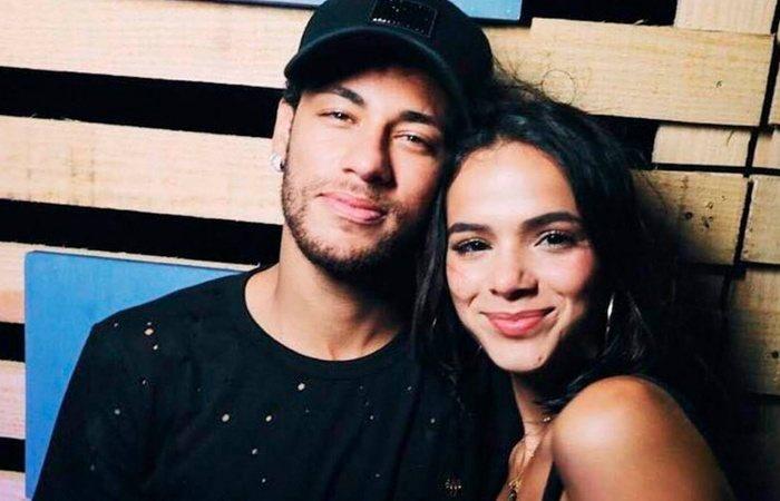 Sportbuzz Oi Sumida Neymar Jr Teria Curtido Video Em Que Aparece Dando Beijo Em Bruna Marquezine E Leva Fas Ao Delirio