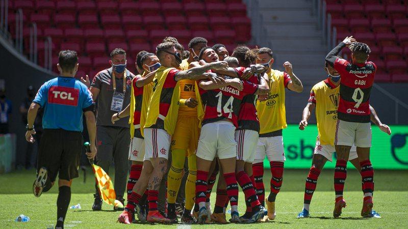 Sportbuzz · Nos pênaltis, Flamengo bate Palmeiras e é bicampeão da Supercopa  do Brasil