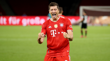 Lewandowski comemorando gol - Getty Images