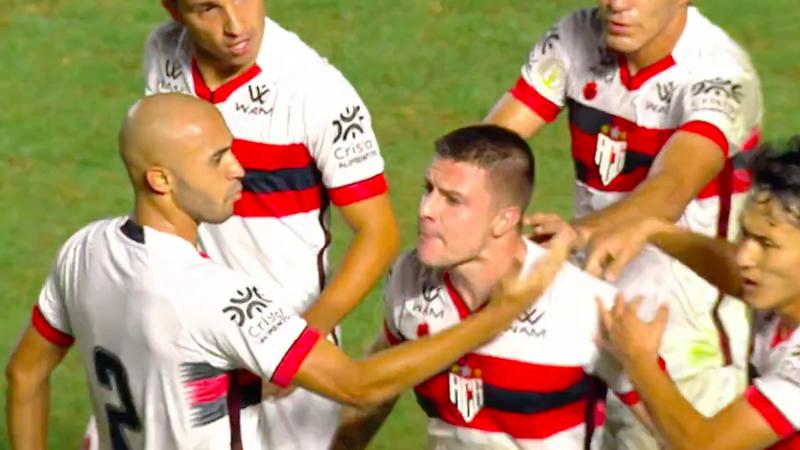 Sportbuzz De Virada Renato Kayzer Brilha E Atletico Goianiense Vence O Vasco Em Sao Januario