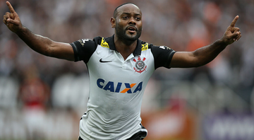 Vagner Love sai do Corithians - Getty Images