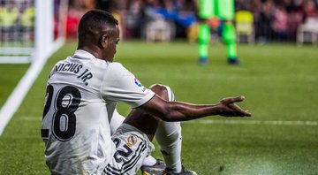 Vinicius Jr em ação cm a camisa do Real Madrid - GettyImages