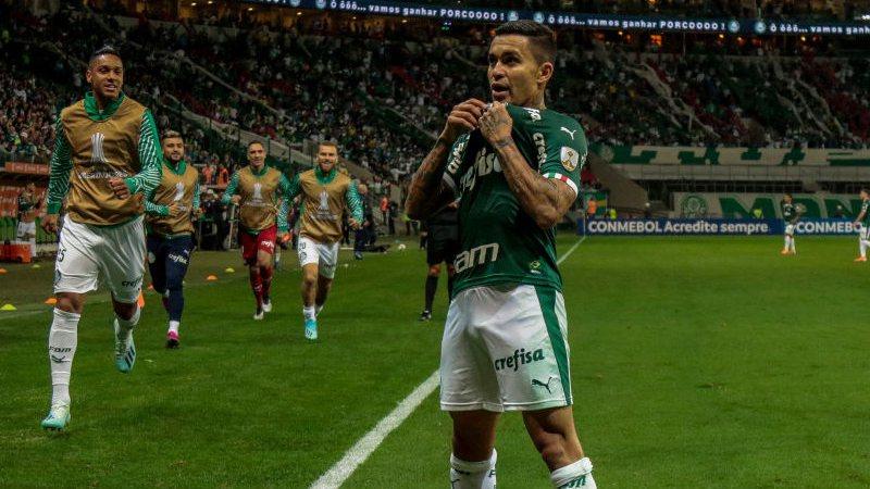 Dudu abre mão de dívida milionária com o Palmeiras para se transferir para o Catar