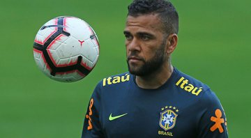 Daniel Alves rebate críticas - Getty Images