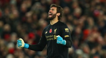 Alisson é titular absoluto do Liverpool e do Brasil - GettyImages