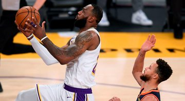 Lakers atropelam Warriors; Bucks vencem Clippers com duplo-duplo de Antetokounmpo - GettyImages