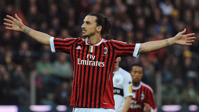 """Sportbuzz · Ibrahimovic dá 'até breve' para Itália: """"Vou para um ..."""