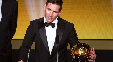 Messi recebendo o The Best - GettyImages