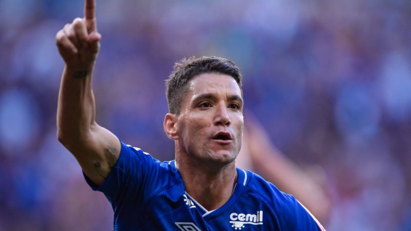 Thiago Neves vive com grande expectativa retorno do futebol