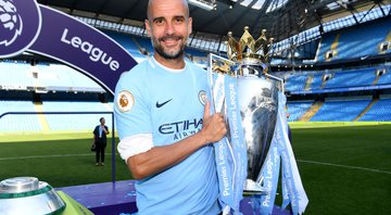 Pep Guardiola permanece no Manchester City - Getty Images