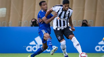 Hulk e William Pottker se estranharam no clássico entre Cruzeiro e Atlético-MG - Bruno Haddad / Cruzeiro / Flickr