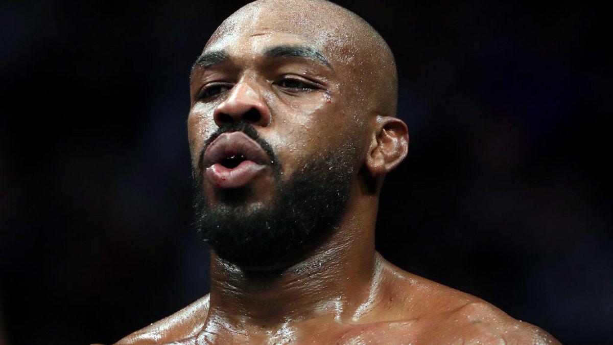 Sportbuzz · UFC: Jon Jones perde a paciência com Dana White, pede demissão, mas depois apaga publicação