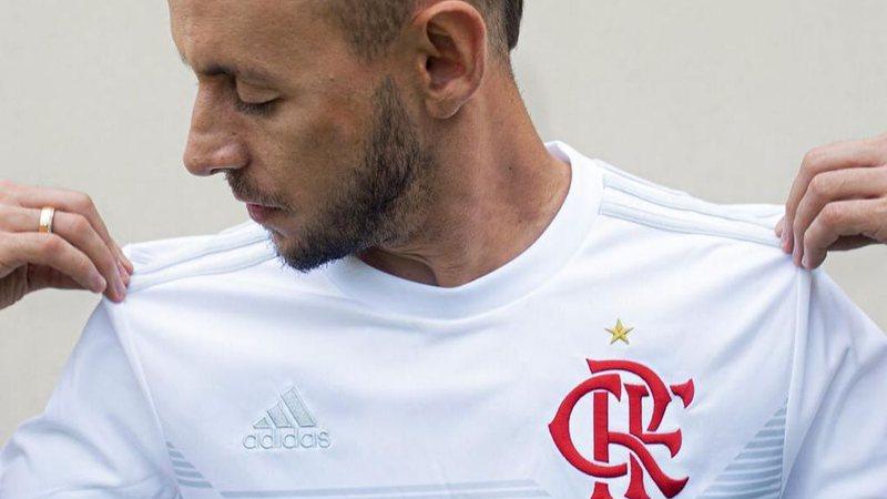 Sportbuzz Rafinha Tatua Títulos Do Flamengo Veja Como Ficou