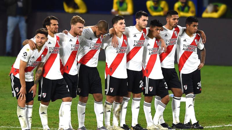 Sportbuzz · River Plate soma mais cinco jogadores infectados pelo  coronavírus e não tem time para a Libertadores!