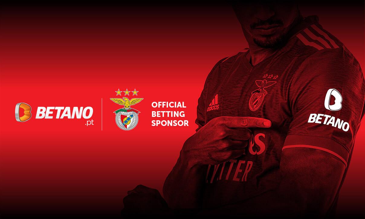 Camisa do S.L. Benfica com patrocínio da Betano na manga